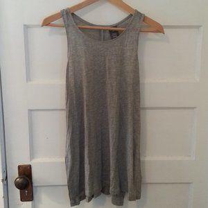NWT linen blend activewear top - size M